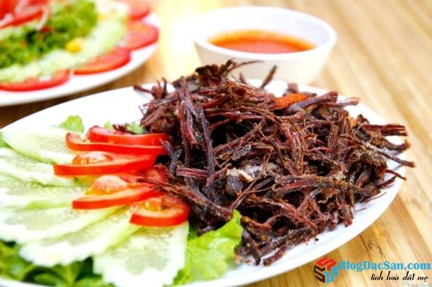 huong-dan-lam-mon-dac-san-thit-trau-gac-bep1